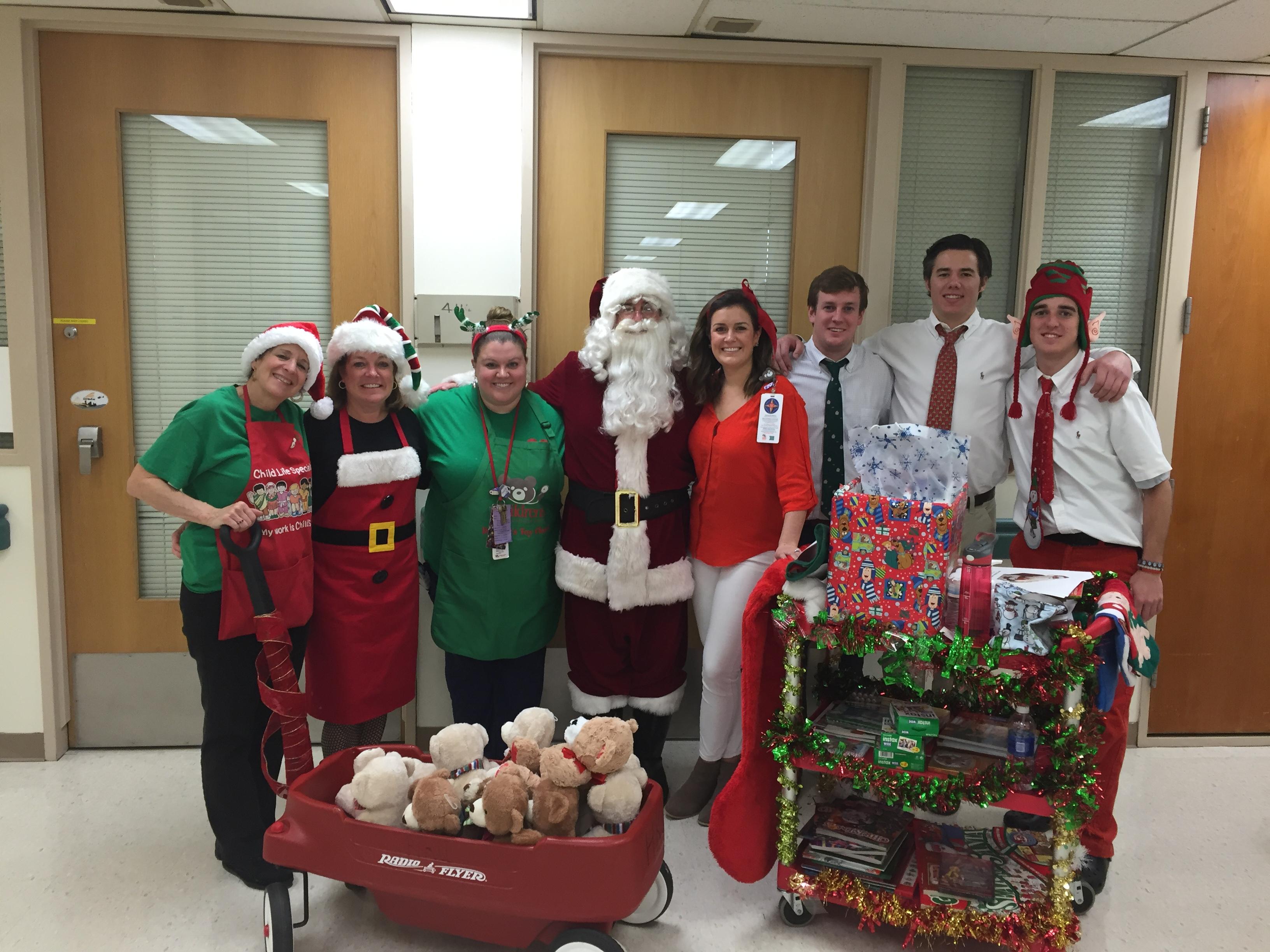 Childrenu0027s National Opens Dr. Bearu0027s Toy Closet Over Holiday Season |  Childrenu0027s National