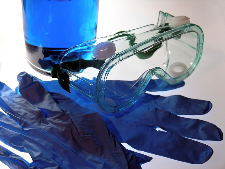Biosafety goggles